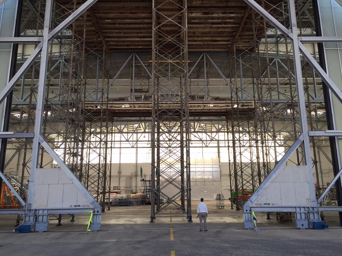 EADS Dresden - Hangar Tor